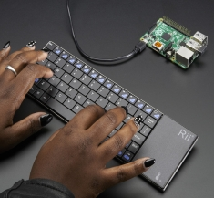 Full Size Wireless Keyboard with Trackpad [2876]